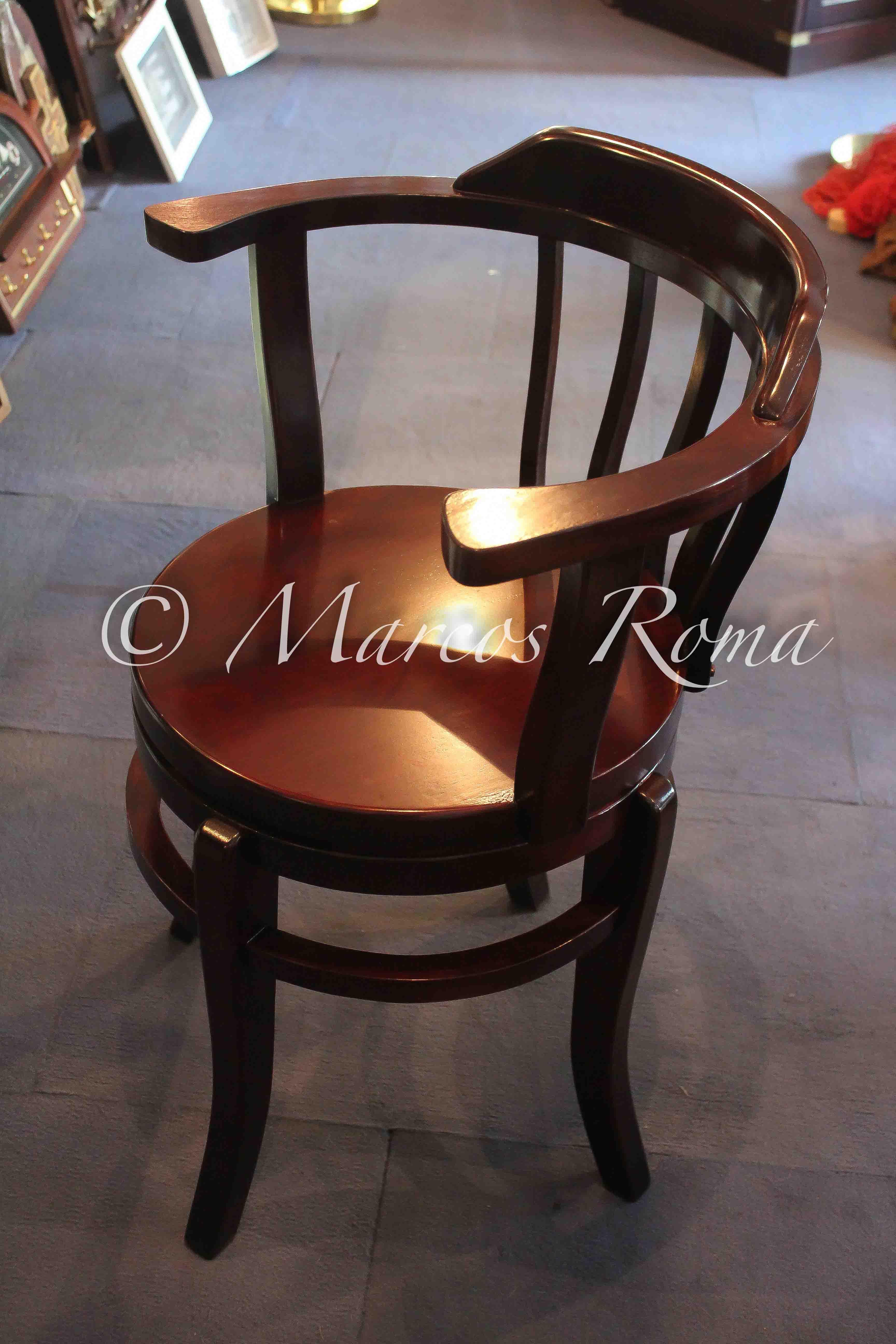 Sedie girevoli in legno marcos roma for Sedie girevoli